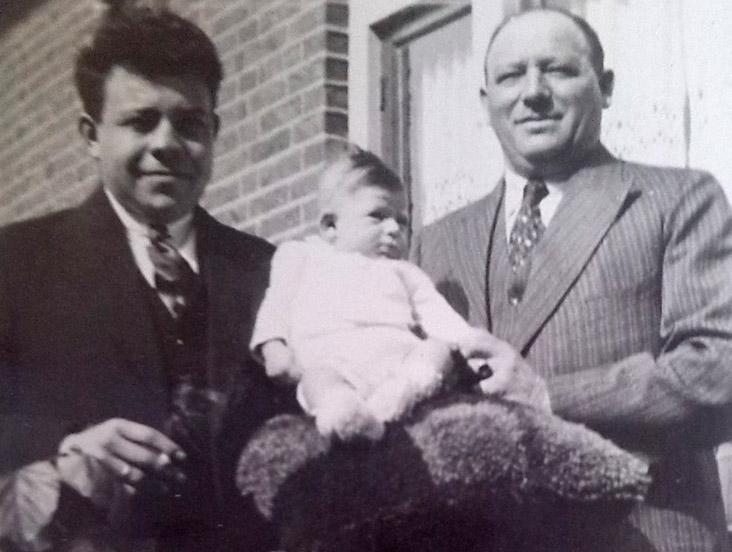 Max met zijn vader en opa Oudgenoeg